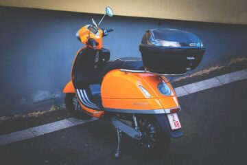 scooter delivery yellow