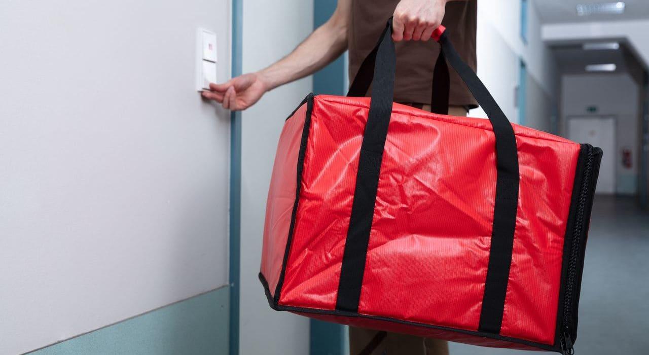 food-deliver-bag-door